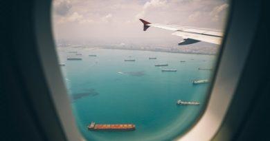 newsfleek-amazon-flys-planes