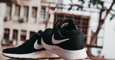 newsfleek-nike-self-tying-shoe